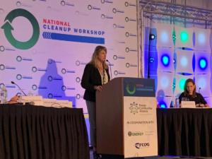 Shelly Wilson moderating a panel at the 2019 National Cleanup Workshop